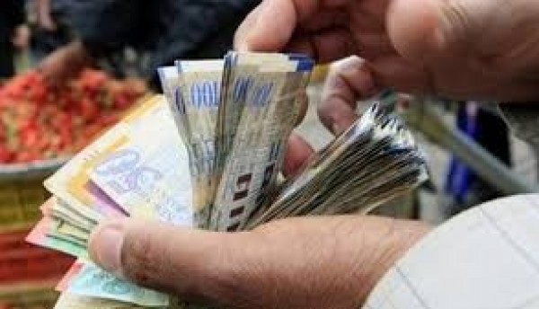 الدولار يواصل ارتفاعه أمام الشيكل الإسرائيلي