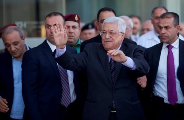 بعد مغادرته للمستشفى.. الرئيس عباس: سأبدأ غداً بممارسة عملي.. وأقول لشعبنا صحة الوطن بخير