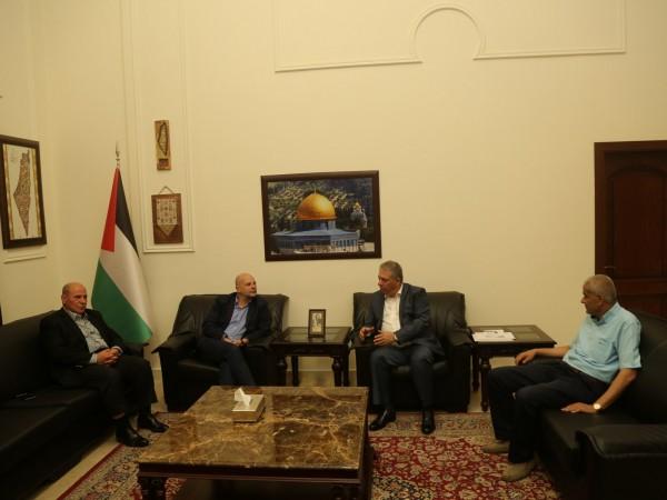 دبور يلتقي مدير عام الاونروا في لبنان