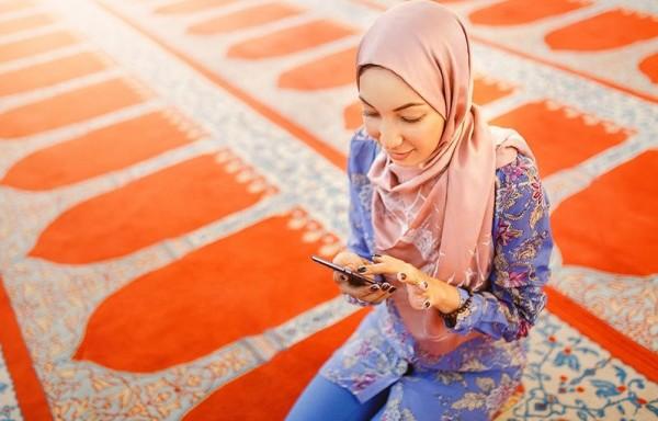 حكم عدم اقفال الهاتف المحمول داخل المسجد