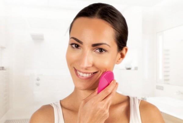 تنظيف بشرة الوجه تمامًا في دقيقة واحدة
