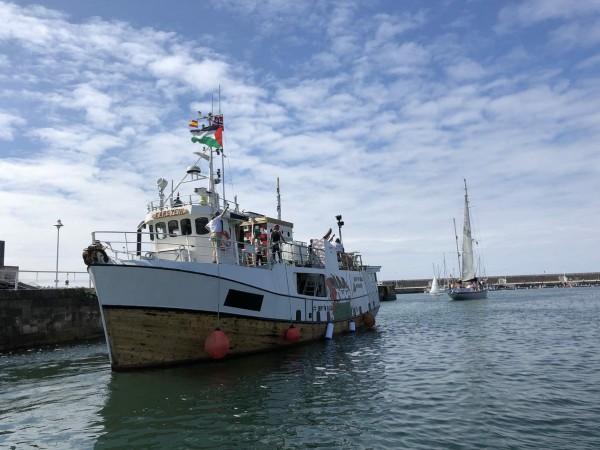 سفينتا (العودة) و(حرية) تصلان لشبونة والقاربان (فلسطين) و(ماريد) يتابعان طريقهما لجنوب فرنسا