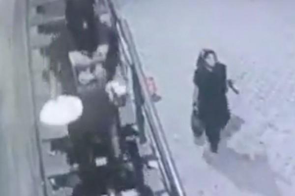 فيديو مروع لحارس أمن يقتل فتاة في الشارع بعد رفضها الزواج منه