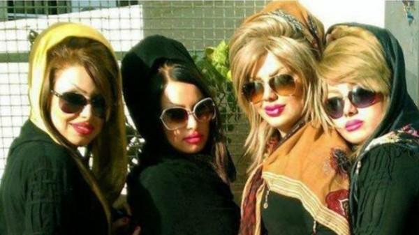 """فيديو: حملة عالمية """" للهز"""" تضامنا مع فتاة """"الرقص المنزلي"""" الإيرانية"""