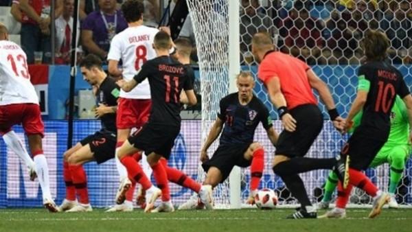 نار كرواتيا تصطدم بالأسود الثلاثة لانتزاع بطاقة العبور