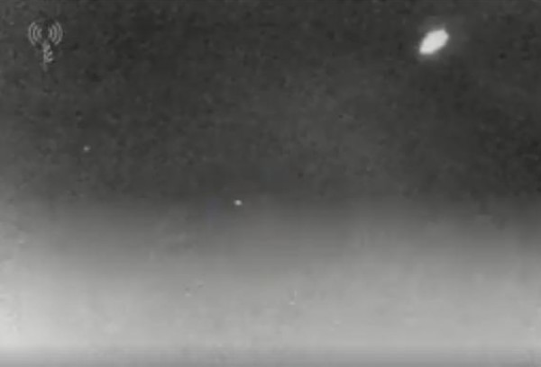 شاهد كيف أسقط صاروخ الباتريوت الإسرائيلي طائرة الاستطلاع السورية