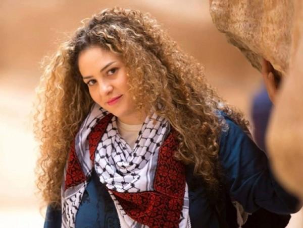 """فيديو: """"عاشقة فلسطين"""".. لبنانية تُقتل معنوياً بتهمة """"العمالة"""" تروي تفاصيل حياتها داخل سجن النساء"""