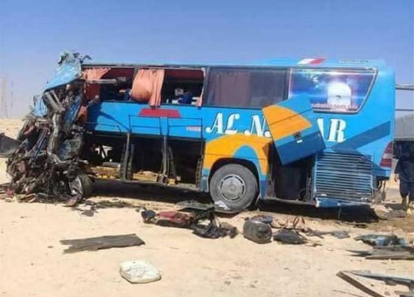 مصرع 10 مصريين وإصابة 25 إثر حادث تصادم
