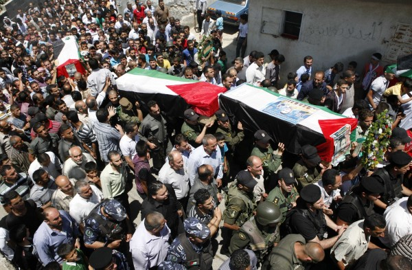 اليوم.. الاحتلال ينوي تسليم جثامين ثلاثة شهداء من الضفة