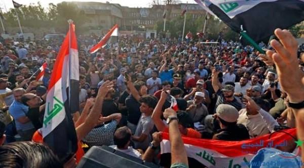 فيديو: متظاهرون يقتحمون مطار النجف جنوب غربي العاصمة بغداد