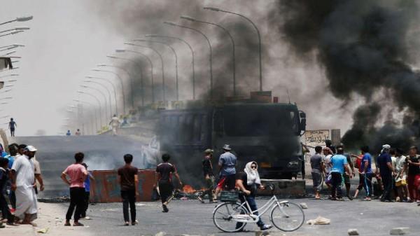 أربع اصابات مع تجدد التظاهرات بالبصرة وفي ذي قار جنوب العراق