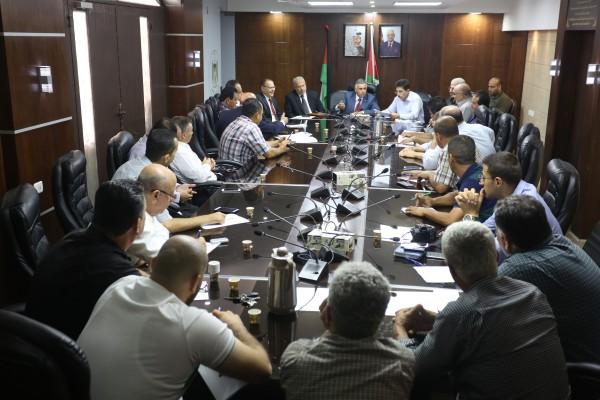 الأعرج يطلع على احتياجات مجلس الخدمات المشترك الشعراوية من المشاريع التطويرية