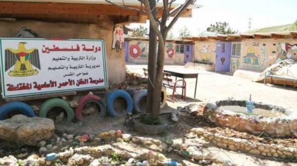 تحدياً للاحتلال.. الوزير صيدم يُعلن انطلاق العام الدراسي بالخان الأحمر