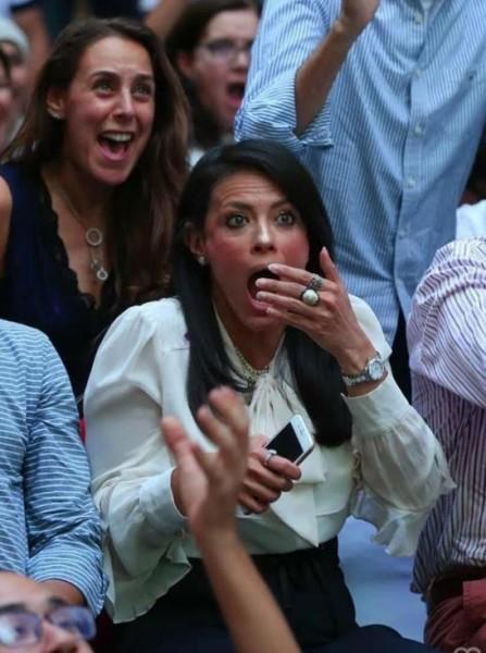 شاهد: بسبب نهائي كأس العالم.. وزيرة مصرية تعيش لحظات عصيبة بين المشجعين