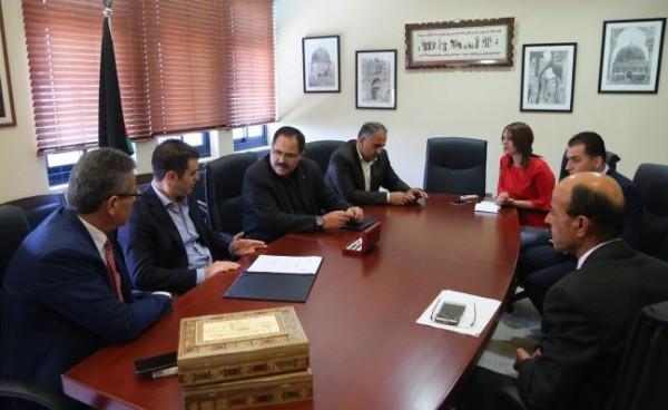 التربية والبنك الوطني يوقعان اتفاقية لدعم مشاريع تربوية