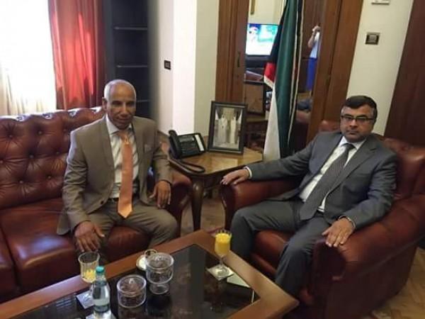 السفير الكويتي لدى رومانيا يستقبل ممثل الرئيس محمود عباس للجاليات بأوروبا