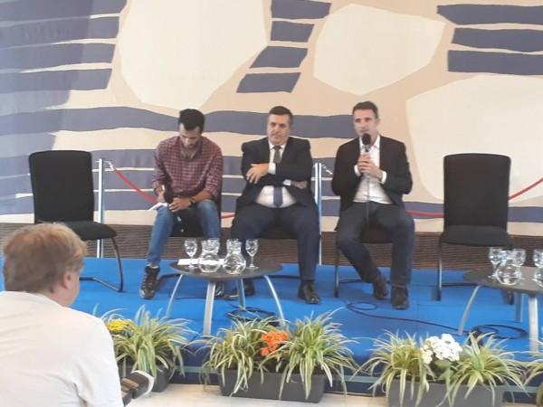لقاءات عدة لسلمان في باريس وجرونوبل بهدف تطوير العلاقات المشتركة