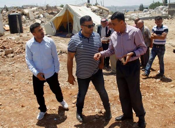 حاتم عبد القادر ينظم زيارة تضامنية مع عائلتي الشوامرة وأبو ارميلة بالقدس