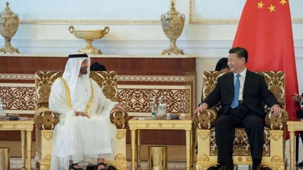 الإمارات تخاطب الرئيس الصيني والوفد المرافق له بلغتهم الأم