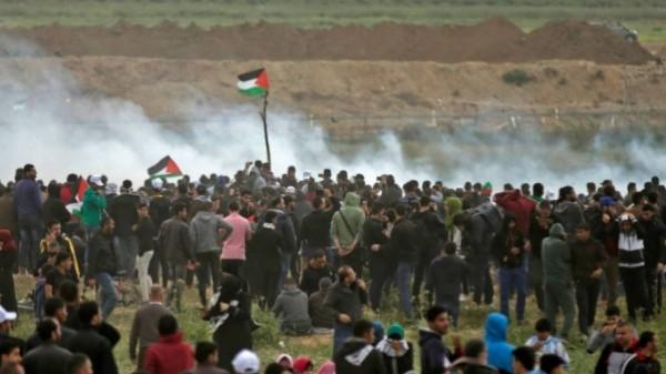 """الفلسطينيون يشاركون في جمعة """"لن تمر المؤامرة على حقوق اللاجئين"""""""