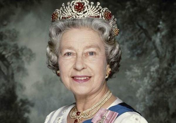 عشر حقائق مثيرة لا تعرفها عن الملكة إليزابيث