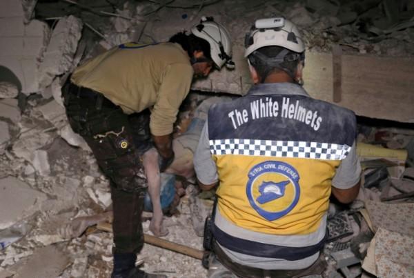 إسرائيل تنقل عناصر (الخوذ البيضاء) من سوريا الى الأردن