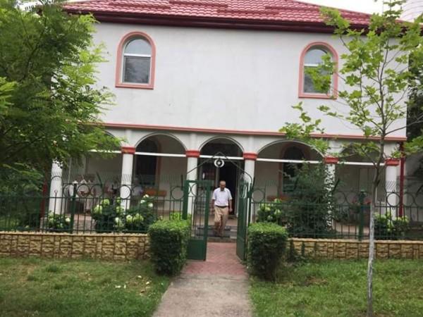 فلسطيني يبني أربعة مساجد على نفقته الخاصة برومانيا