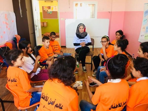 """قرية الأطفال SOS بيت لحم تختتم فعاليات المخيم الصيفي """"جسمي ..خطي الأحمر"""""""