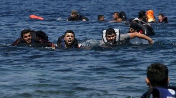 خفر السواحل ينقذ 26 مهاجراً فلسطينياً وسورياً