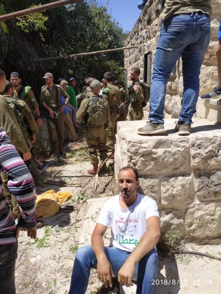 مستوطنون يهاجمون نشطاء ومنازل في تل الرميده وسط الخليل