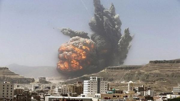 التحالف بقيادة السعودية يفتح تحقيقاً في غارة أسقطت عشرات القتلى باليمن
