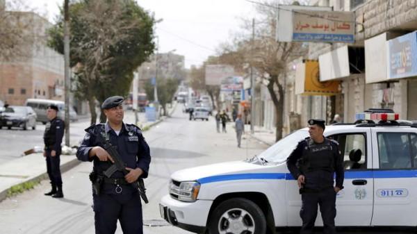 مقتل ثلاثة من رجال الأمن الأردني والقبض على إرهابيين مُتهمين بتفجير الفحيص