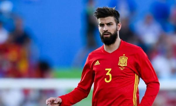 بيكيه يعتزل اللعب دوليا مع منتخب إسبانيا