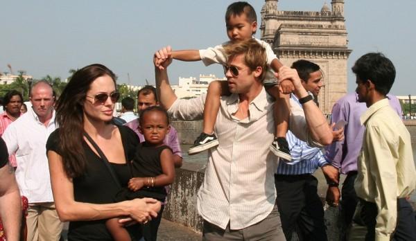 آخر التطورات.. هل تخسر أنجلينا جولي حضانة أطفالها؟