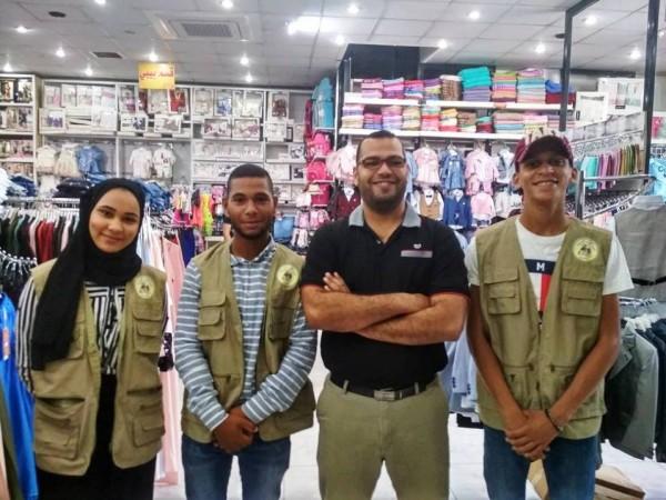 جمعية القمر في أريحا توزع كسوة العيد على الأطفال