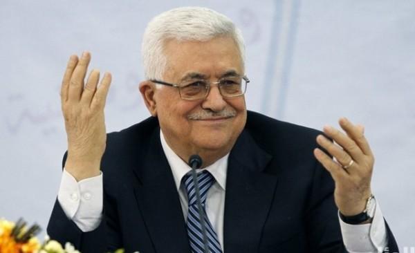 """قيادي حمساوي يُطلق استفتاء رئاسياً فيفوز الرئيس عباس وتشتعل """"حرب"""" إلكترونية"""