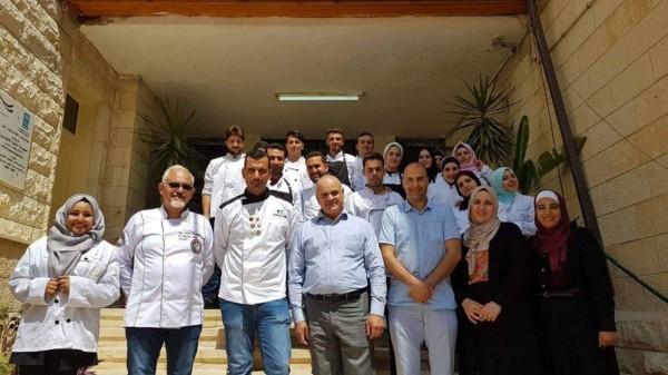 الرؤية العالمية ووزارة العمل يختتمان دورة مساعد شيف في نابلس