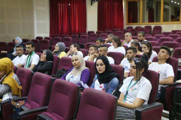 أبو أصبع يلتقي المشاركين في الملتقى الثقافي التربوي الفلسطيني التاسع