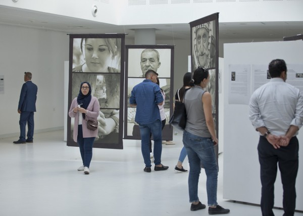 """دار الكلمة الجامعية تفتتح معرض """"وجوه من أماكن ممحُوّة"""" للفنان جون حلقة"""
