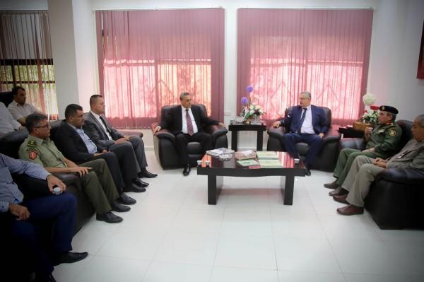 محافظ طولكرم عصام أبو بكر والمؤسسة الأمنية يقدمون التهاني لرئيس جامعة خضوري الجديد