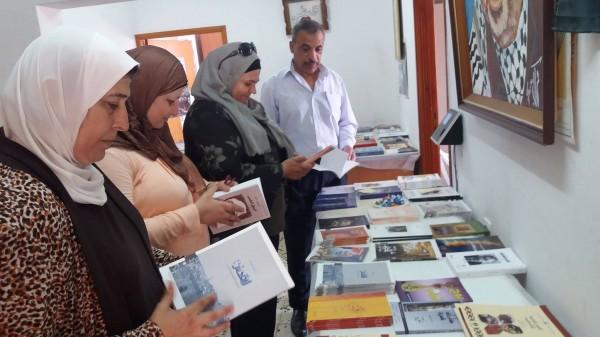 """وزارة الثقافة في طولكرم تفتتح معرض """" القدس """" للكتاب"""