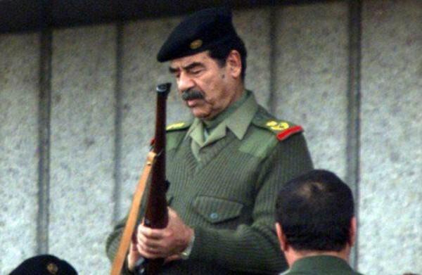 """فيديو نادر: ماذا قال """"صدام حسين"""" قبل ساعات من قصف تل أبيب؟"""