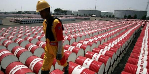 ارتباك أسعار النفط بعد بيانات معهد الطاقة وتصريحات ترامب