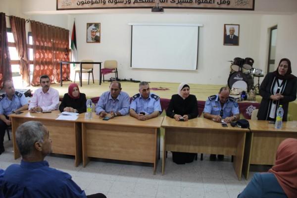 التربية والشرطة تنظمان لقاء توعوي لمديري وسائقي المدارس الخاصة ورياض الأطفال في قلقيلية