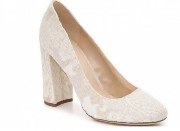 للعروس في ليلة زفافها..نصائح لاختيار الحذاء المثالي