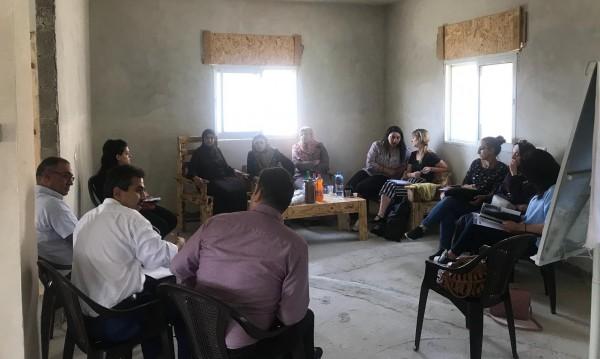 جمعية الشابات المسيحية للتنمية في بيت لحم تنظم زيارة الى مشغل تدوير الخشب