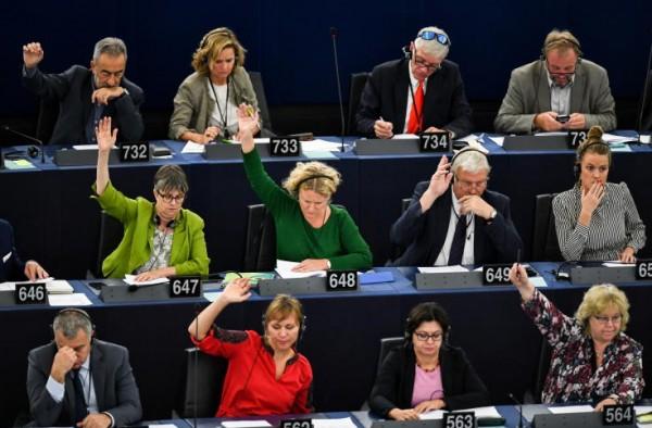 """البرلمان الاوروبي يصوت لوقف """"تهديد"""" المجر للديموقراطية"""
