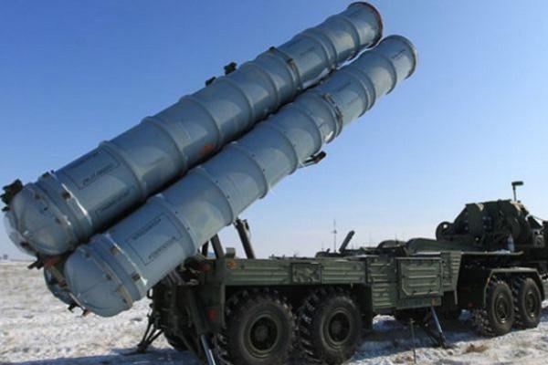 """روسيا تستعرض قدرات أنظمة دفاعها الجوية """"اس-400"""" خلال مناورات"""