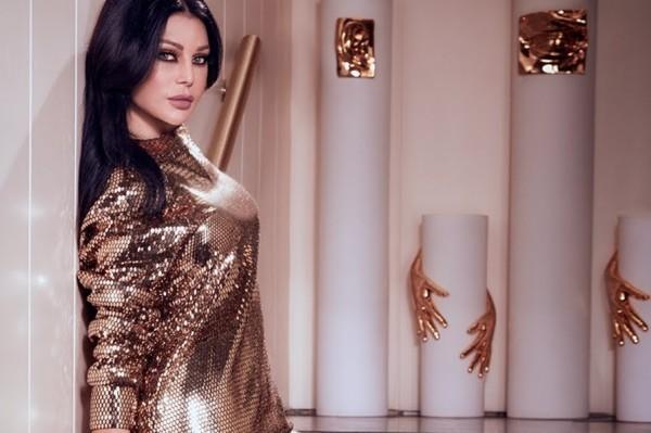 """فيديو: هيفاء وهبي """"تقصف جبهة"""" كل فنانة قلدتها بـ""""ست البنات"""""""