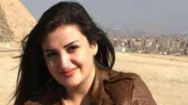 """""""منى المذبوح"""" تغادر مصر بعد سجنها بسبب فيديو على (فيسبوك)"""